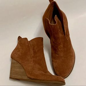 Lucky Brand Yoniana suede leather wedge boots
